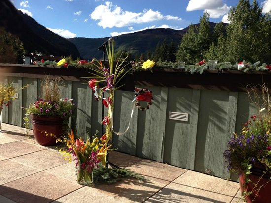 Vail Racquet Club Mountain Resort: The terrace at Vail Racquet Club