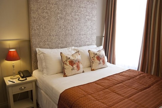 The White Hart Hotel: Double room.