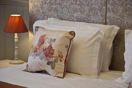 The White Hart Hotel: Bedroom.