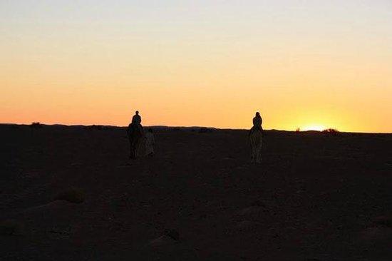 Esprite-Lamane: coucher de soleil depuis les dunes lamane