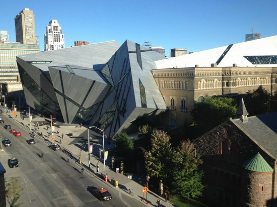 InterContinental Toronto Yorkville: Room view of the natural history museum, the ROM, with its crystal facade overhanging Bloor St.