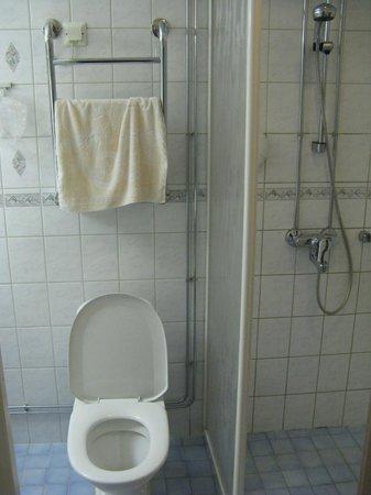 Hotel Helka : Bathroom
