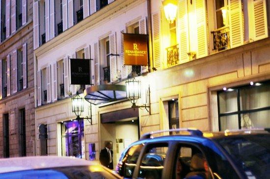 Renaissance Paris Vendome Hotel : the entrance