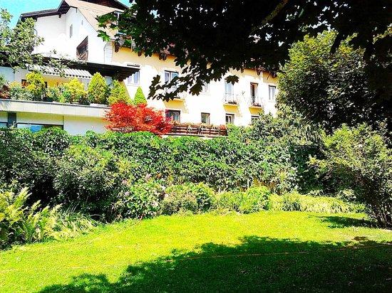 Schlank Schlemmer Hotel Kürschner: il giardino con sullo sfondo l'hotel