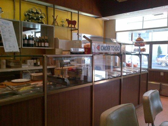 David's Delicatessen & Restaurant : Deli area