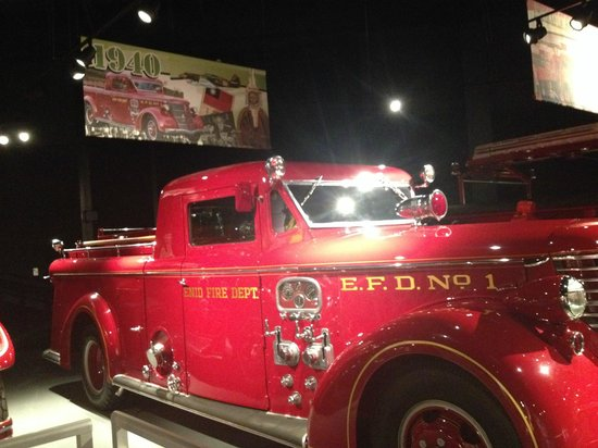 North Charleston and American LaFrance Fire Museum and Educational Center: I absolutely love this body style!!