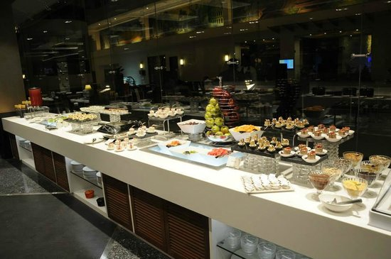 The Lobby Cafe: TLC Buffet