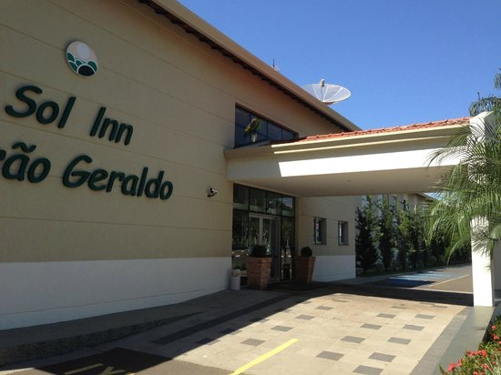 Matiz Barao Geraldo Hotel : entrance