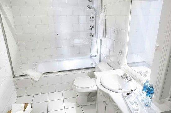 Bathroom, Hotel Cuenca, Azuay, Ecuador.