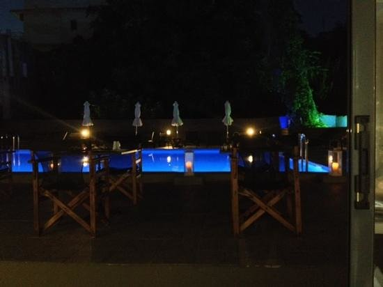 Amphitryon Boutique Hotel: view from restaurant across the pool