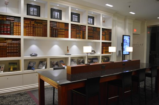 Hotel Manoir Victoria : Lobby