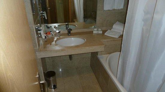 HF Ipanema Porto: Badezimmer