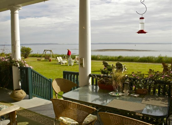 The Commander's Beach House: Porch View