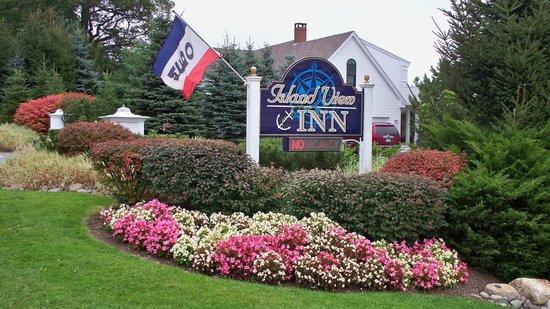 Island View Inn : Beautiful Entrance in Late Sepember