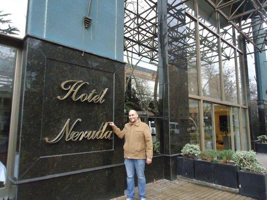 Hotel Neruda: Entrada do Hotel