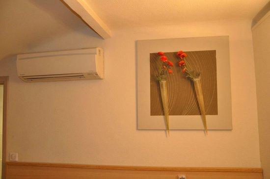 Hotel Azurea Nice : В номере