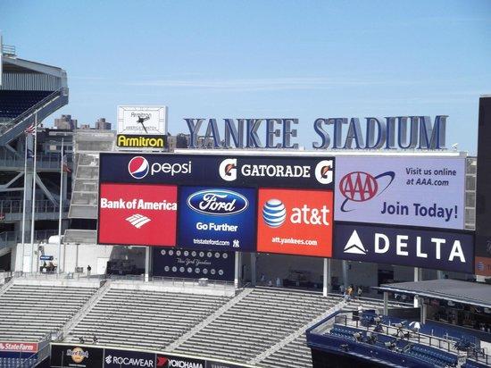 Yankee Stadium: billboards