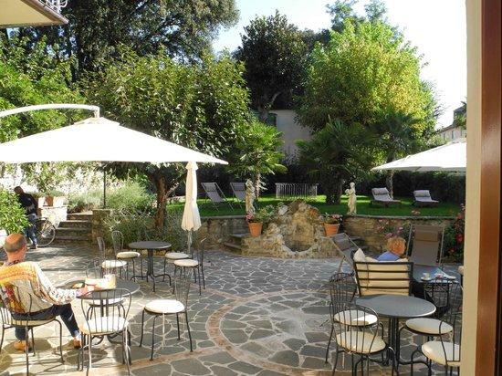 Relais La Corte di Cloris: Blick in den Garten, Hof der Nymphe Cloris