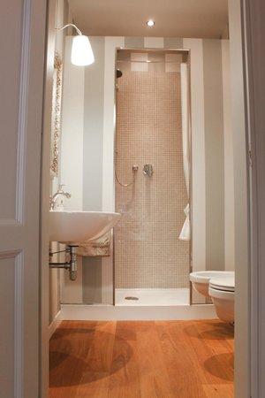 B&B Florence Chic : Bathroom