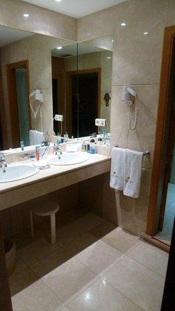 Hotel Eurostars Araguaney: Badezimmer