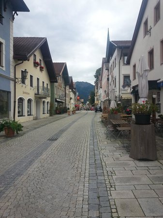 Gasthof Fraundorfer : Go out the door, turn right, this is what you see