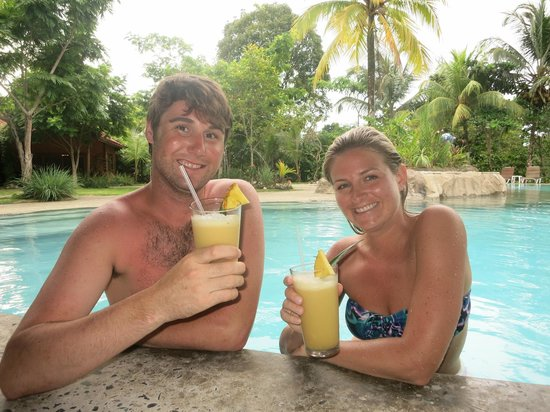 Popa Paradise Beach Resort: Pina coladas made from a freshly picked pineapple! Thanks Ty!