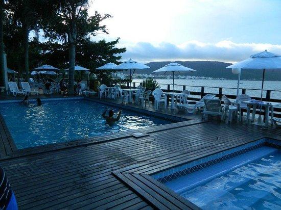 Bombinhas Tourist Hotel e Pousada: piscinas