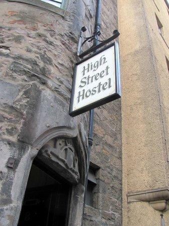 High Street Hostel: Front
