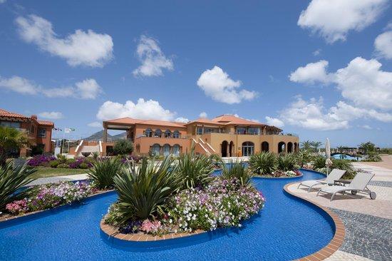 Pestana Porto Santo All Inclusive: Jardins e Clubhouse