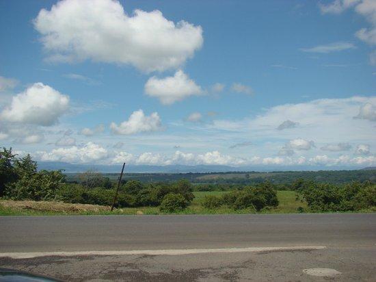 Hacienda Guachipelin: The road to Guachipelin