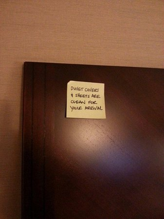 Hampton Inn & Suites Seattle Downtown: post it