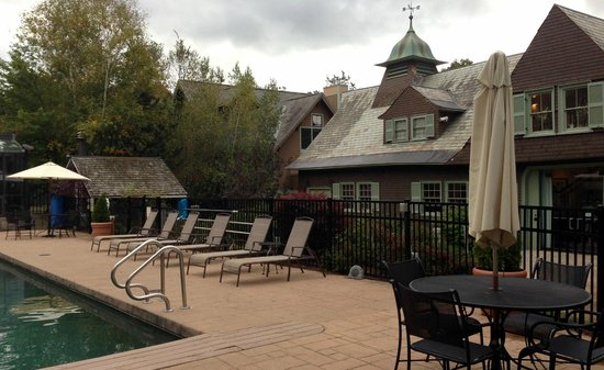 Castle Hill Resort And Spa : Heated pool