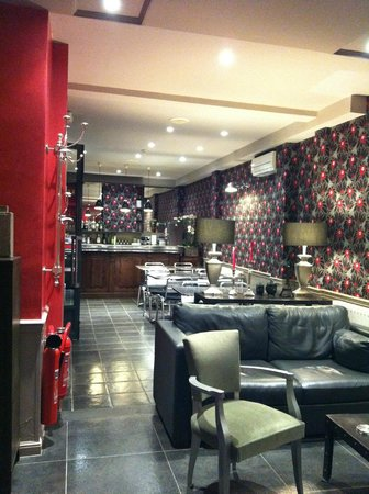 Hotel 29 Lepic: breakfast room