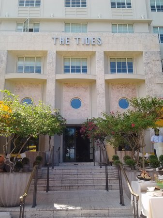 The Tides South Beach: Front entry of Hotel