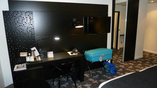 Comfort Hotel Centre Del Mon: Zimmer