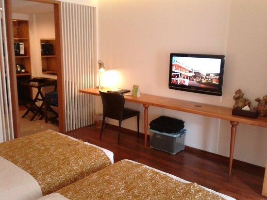 Gumilang Regency Hotel: Modern designed