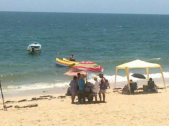 Sonoran Spa Resort : La playa, todo encuentras cerca los cocos deliciosos