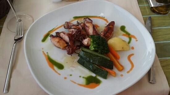 Dubravka 1836 Restaurant : Grilled squid