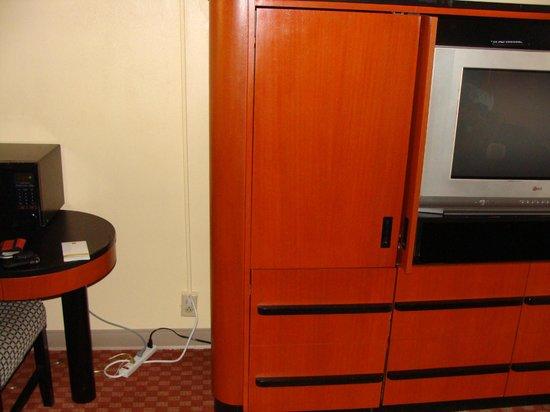 Quality Inn : TV