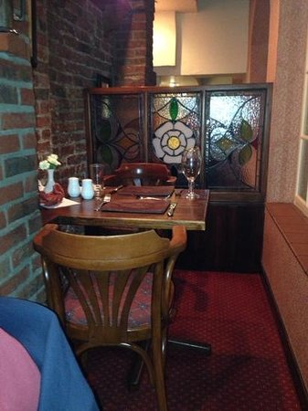 Russells of Coppergate: nice cosy booths