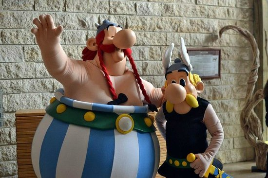 Hotel des Trois Hiboux: Asterix and Obelix come every morning