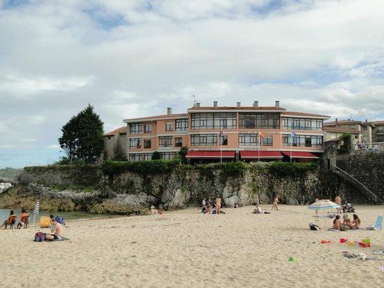 Hotel Sablon: Hotel direkt am Strand