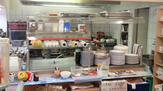 Tham Chinese Restaurant: Kitchen