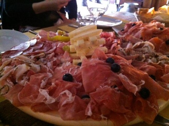 Osteria alla Bifora : The cured meat and cheese platter