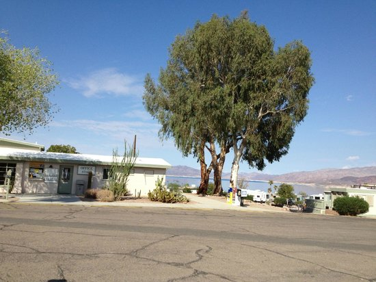 Lake Mead RV Village: RV Village office and edge of campground with lake in background