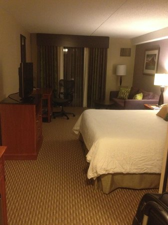 Awesome Hilton Garden Inn Hartford North/Bradley Intu0027l Airport: King Room With  Balcony Great Ideas