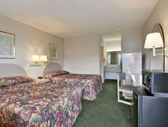 Days Inn Cartersville : Standard Two Double Bed Room