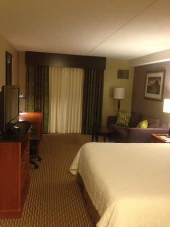 Hilton Garden Inn Hartford North/Bradley Int'l Airport : King Room