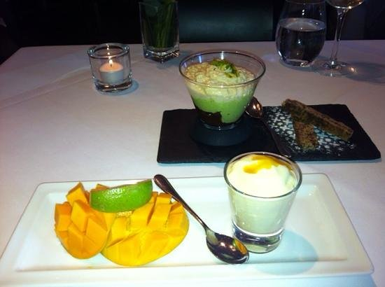 Officer's Club Restaurant : yummy Mango dessert