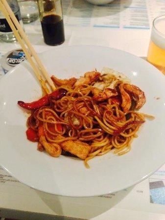 Noodle Bar: Pollo/Chicken